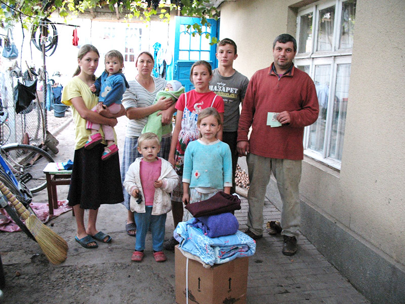 Monthly support for needy Moldovans